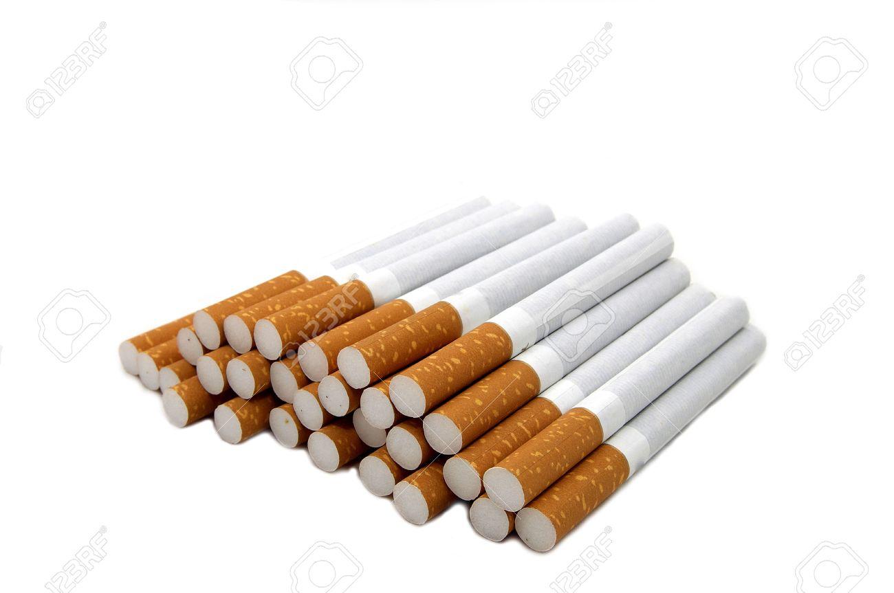Mujeres atractivas con fotos de cigarrillos